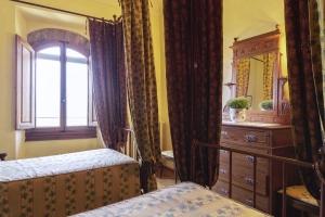 Volognano • Sole room