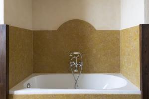 Volognano • Bathroom second floor