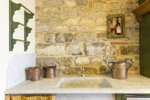 Volognano • the kitchen
