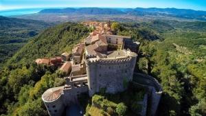 tuscany towns near massa carrara