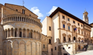 Best travel tours from Arezzo