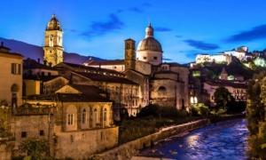 Best travel tours from Massa Carrara - tuscany