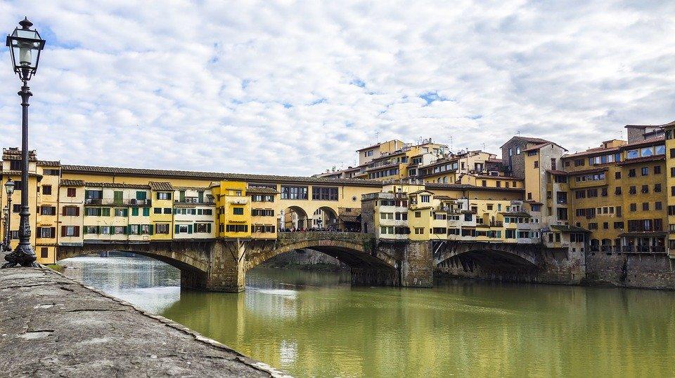 Unforgettable experiences Florence: ponte vecchio